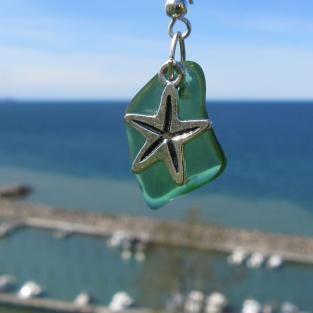 Ohrhänger mit grünem Seeglas und Seestern