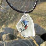 Transparentes Seeglas mit Anhänger Delfin / Delphin
