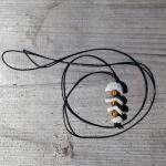 Grätenfisch - Fischgräte -  Fishbone mit Bernsteinperlen dazwischen