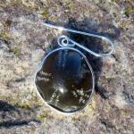 Schicker Ohrhänger mit einem, in Silber eingefasstem, polierten Seeigel !!! Designerstück !!!