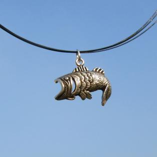 Anhänger aus  Silber als springenden Fisch mit offenem Maul