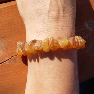 Massives Armband aus wunderschönen, unpolierten Bernsteinnuggets