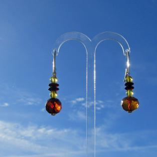 Wunderschöne Ohrhänger mit verschiedenen, polierten Bernsteinen