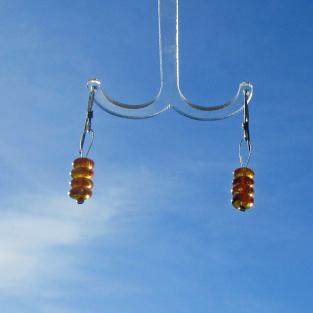 Ohrhänger mit 4 polierten Bernsteinscheibchen