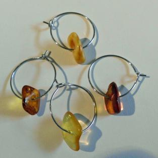 4er Set Weinglasmarker mit verschiedenen Bernsteinen