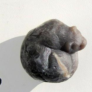 Otter / Wiesel / Marder aus Feuerstein geschnitten