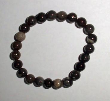 Armband aus Feuersteinperlen