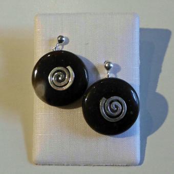 Ohrstecker Feuerstein mit silberner Spirale